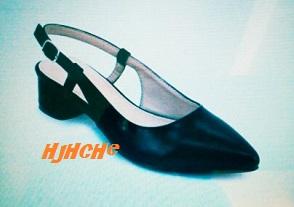 jika kasut masih keras,baru beli,tumit rendah?Selesa juga? Jika sudah lama,kasut lembik,haus baik jangan guna ketika memandu,,hati-hati